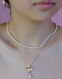 flower-golden-necklace-model